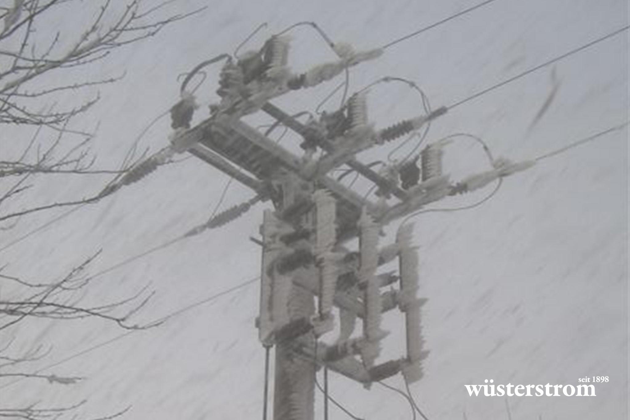 Leitungsbau - Strommasten